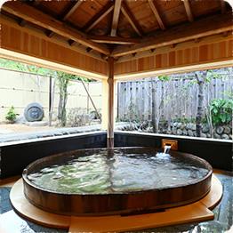 一 檜の貸切風呂「木もれ日の湯」貸切風呂